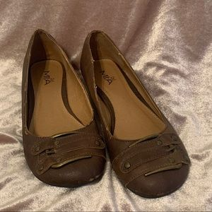 Distressed Brown Buckle Flats
